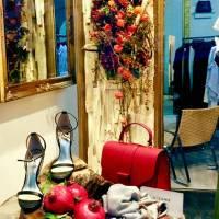negozio d' abiti, allestimenti fiorista bianchi